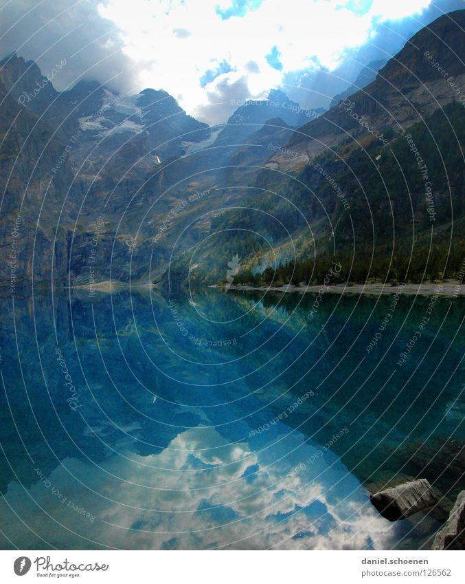 Spiegelsee Reflexion & Spiegelung See Schweiz zyan Licht wandern Tanne grün Sommer Einsamkeit ruhig Wolken Oberfläche Himmel Wasser Berge u. Gebirge blau Sonne