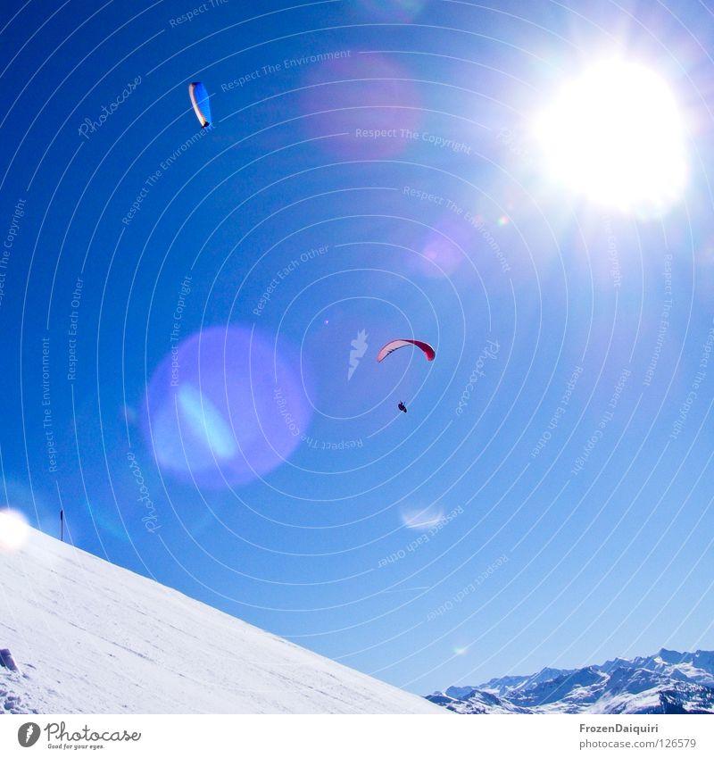 paraglider 4 Natur Himmel weiß Sonne blau rot Winter Sport Schnee Berge u. Gebirge Strahlung Schönes Wetter Österreich Kitzbüheler Alpen Bergsteigen