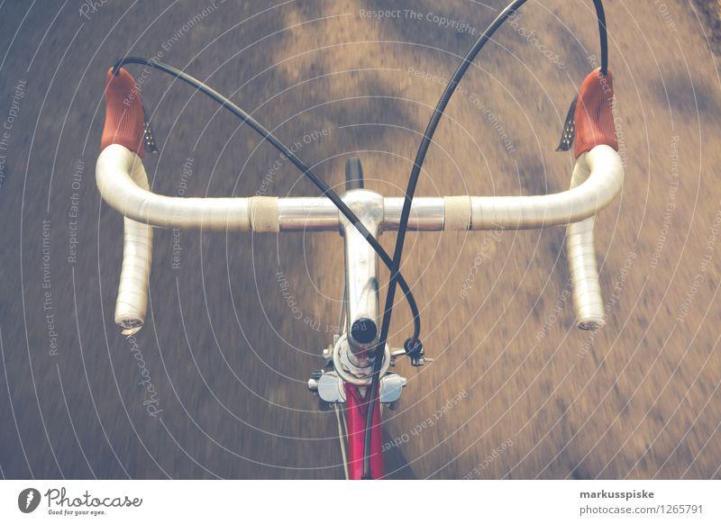 urbane mobilität - retro hipster rennrad Straße Stil Lifestyle Design Freizeit & Hobby elegant Fahrrad authentisch Geschwindigkeit Fahrradfahren Fitness