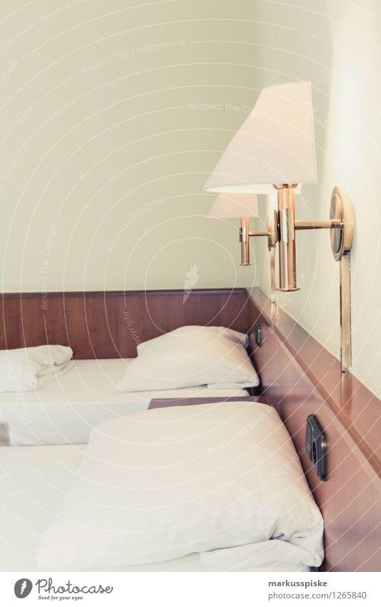 gut nacht Lifestyle Reichtum Ferien & Urlaub & Reisen Tourismus Ausflug Sightseeing Städtereise Häusliches Leben Wohnung Bett Schlafzimmer