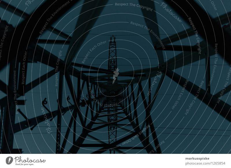 strom energie leitung Stadt Umwelt Energiewirtschaft Technik & Technologie Zukunft Elektrizität Industrie Wirtschaft Stahl Reichtum Handel Strommast