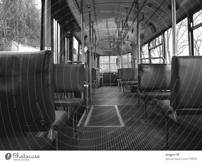 Straßenbahn alt leer Sitzgelegenheit Schwarzweißfoto