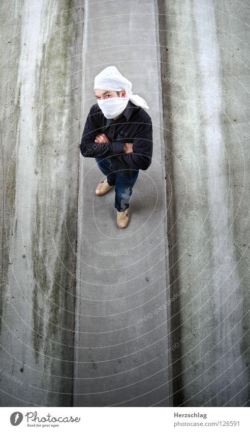 Nimm doch mal dad ding ab Freude Vogel verrückt Perspektive Parkdeck Photo-Shooting Turban