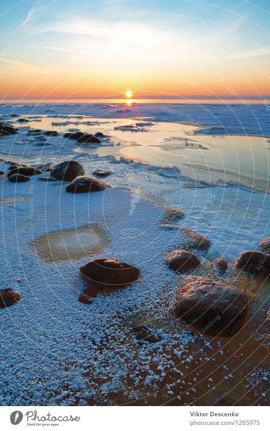 Sonnenuntergang im gefrorenen Meer mit Reif und Steinen Himmel Natur Ferien & Urlaub & Reisen blau schön Farbe weiß Erholung Landschaft Strand Winter Küste