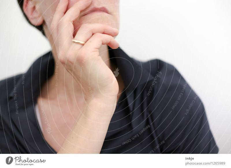 Zuhören Lifestyle Stil Sitzung sprechen Frau Erwachsene Leben Hand Oberkörper Kinn 1 Mensch 30-45 Jahre Interesse Beratung Business Kommunizieren kompetent