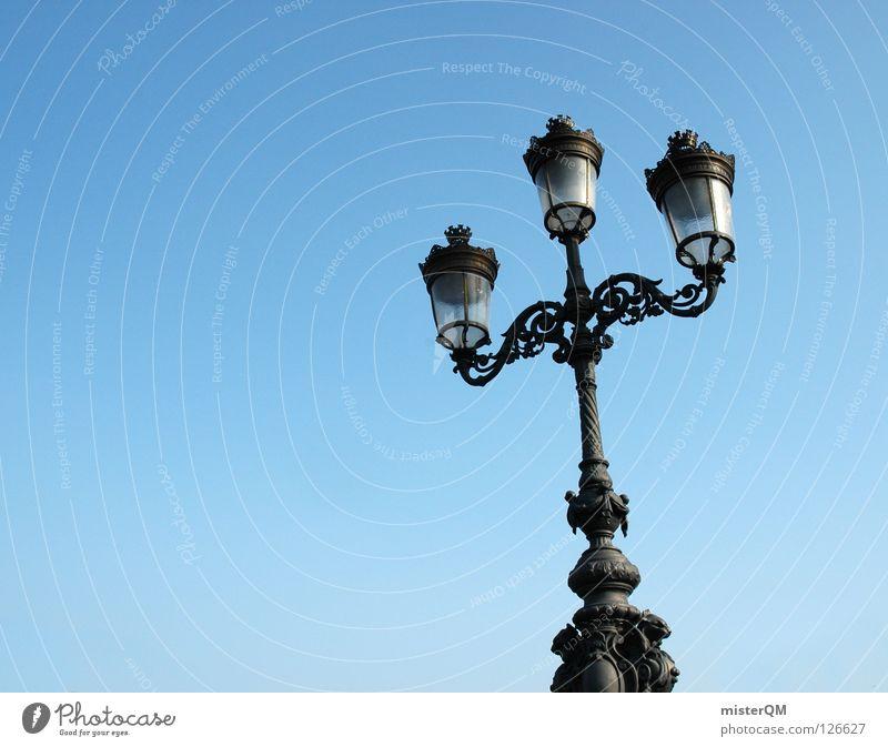 Drei, und doch allein. alt blau schön Ferien & Urlaub & Reisen Sommer schwarz Einsamkeit Graffiti Wärme Erde Lampe Kunst Hintergrundbild Glas Design 3