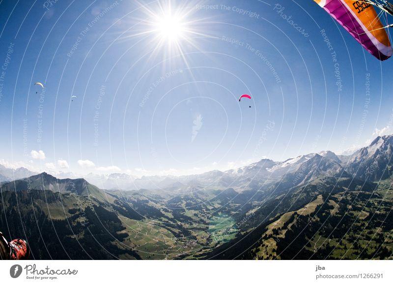 Gegenlicht Himmel Sommer Sonne Erholung Landschaft ruhig Berge u. Gebirge Wärme Sport Freiheit fliegen Lifestyle Freundschaft Horizont Zufriedenheit Freizeit & Hobby