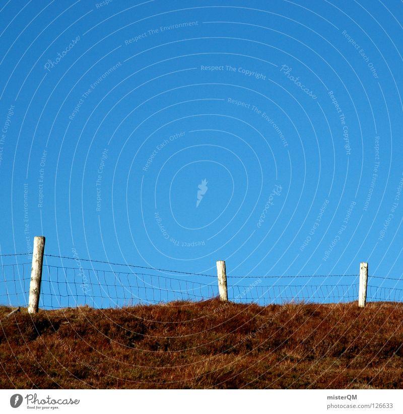 Ende im Gelände. I Himmel blau Sommer Wiese oben Gras Berge u. Gebirge Holz Mauer Gebäude braun Instant-Messaging wandern Horizont hoch Ausflug