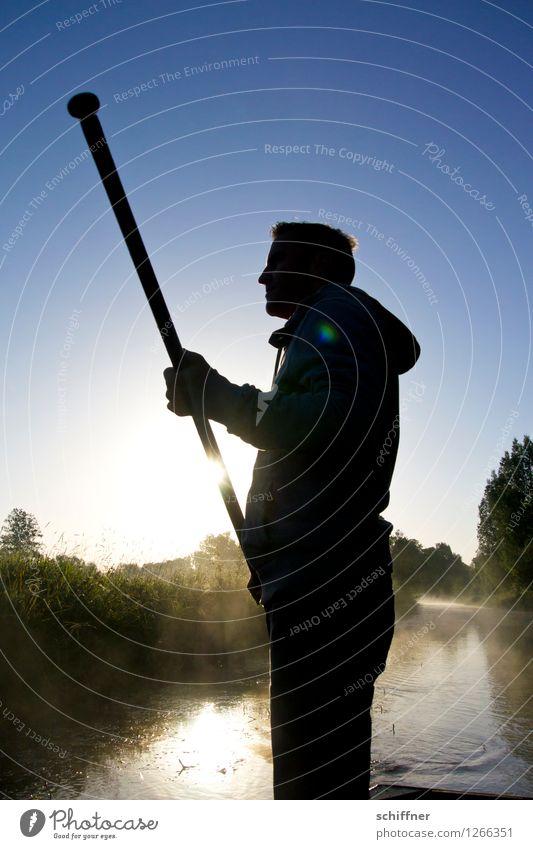 Spreedorado | Stabfuchtler maskulin Junger Mann Jugendliche Erwachsene 1 Mensch blau Spreewald Dahme-Spreewald Fluss Flussufer Flußauen Flußwasser Böschung