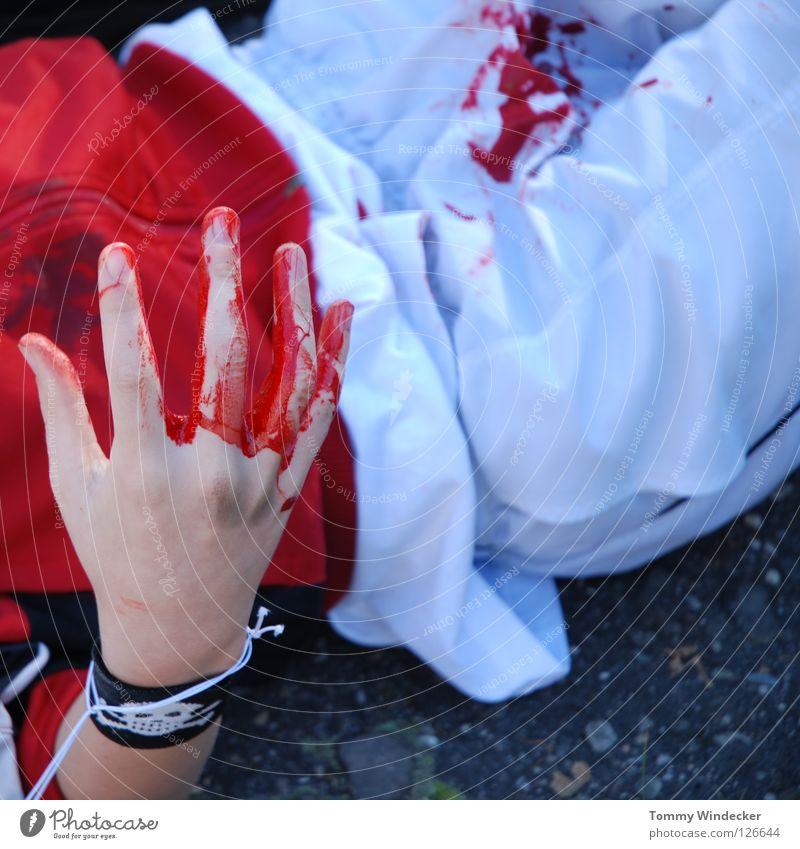 Schock V Blut Seitenlage Heftpflaster verbinden Gesundheitswesen Arzt Sanitäter Wunde Krankheit gebrochen Versorgung gefährlich Unfall Zellstoff Rettung