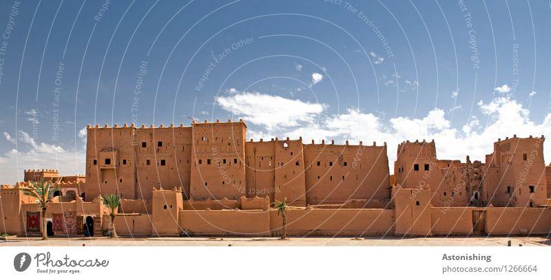 Kasbah in Ouarzazate Himmel Stadt alt blau schön weiß rot Wolken Haus Fenster Reisefotografie Wand Architektur Gebäude Mauer Fassade