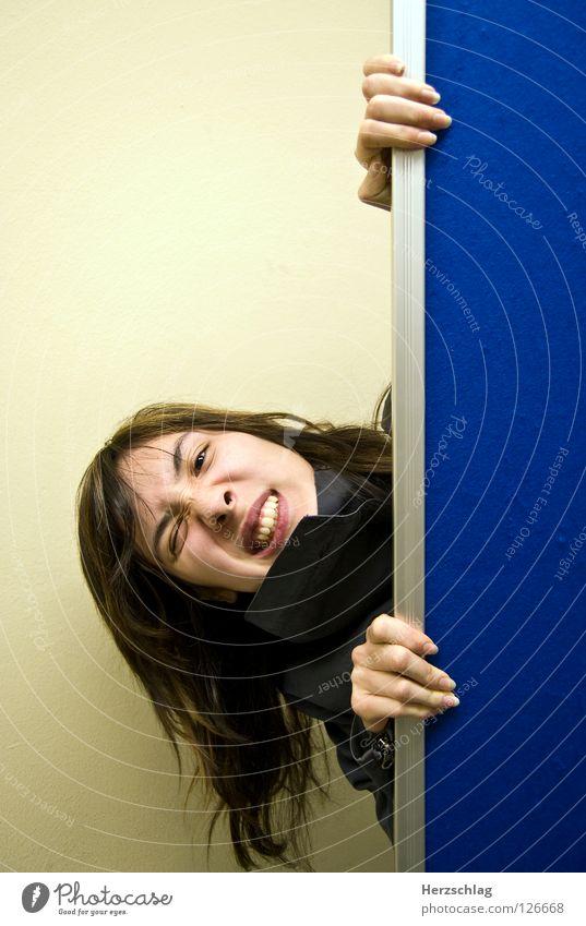 Ja ja, tu doch nicht so ! Hand blau Freude Gesicht Wand verrückt Elektrizität Gesichtsausdruck Schrecken Projekt Beweis
