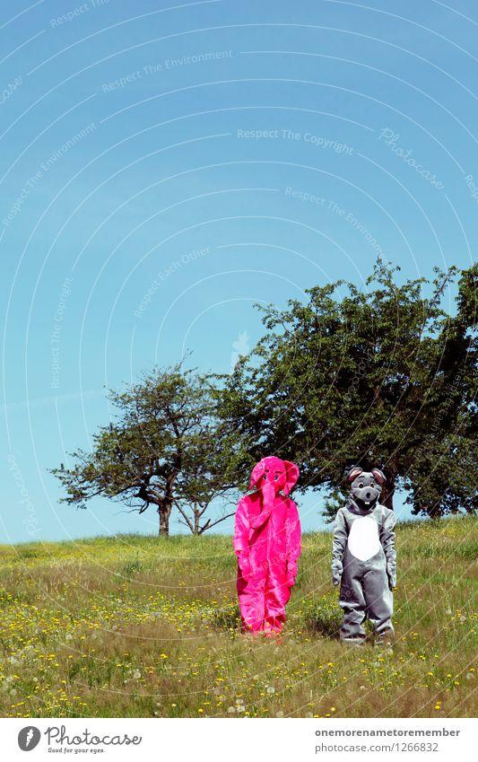 und nun? Jugendliche grün Freude Wiese lustig Spielen grau Kunst rosa Kindheit ästhetisch fangen Kunstwerk Maus Blauer Himmel Karnevalskostüm