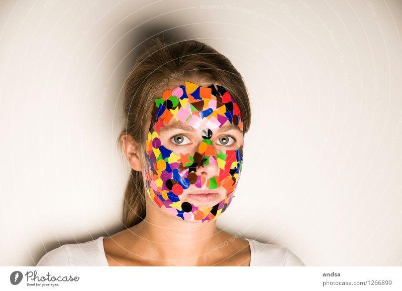Gepunktet Mensch feminin Junge Frau Jugendliche 1 18-30 Jahre Erwachsene T-Shirt brünett langhaarig Zopf beobachten Blick träumen Traurigkeit außergewöhnlich