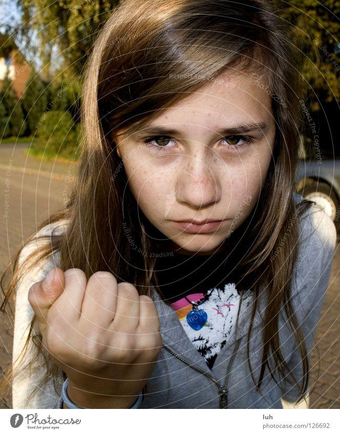 ich mag dich, wirklich! Kind Jugendliche Hand Mädchen Auge Straße Gefühle Angst gefährlich bedrohlich süß stark Wut Gesichtsausdruck Gewalt böse