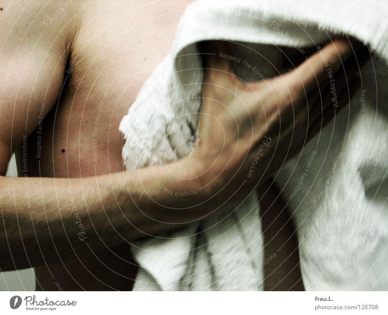 abtrocknen Mensch Mann Hand nackt Haare & Frisuren Haut Freizeit & Hobby Sauberkeit Brust Körperpflege Muskulatur Waschen Gefäße Handtuch Sehne Achse
