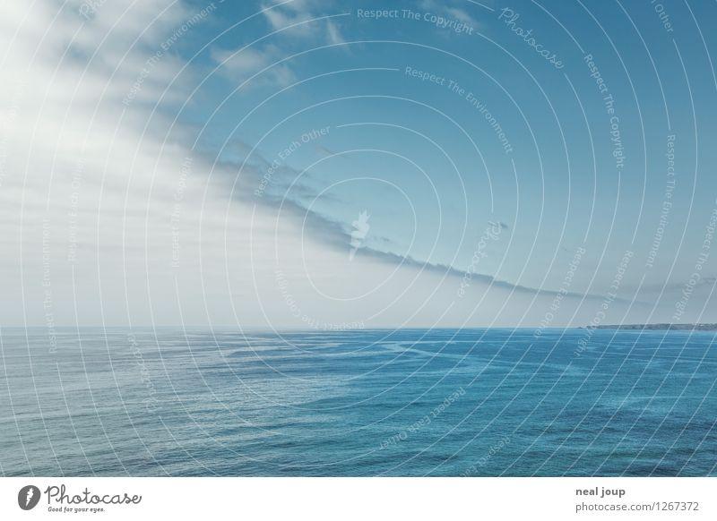 Blue Horizon -II- Ferne Freiheit Kreuzfahrt Sommerurlaub Meer Himmel Wolken Horizont Portugal träumen frei Unendlichkeit blau ruhig Fernweh Einsamkeit exotisch