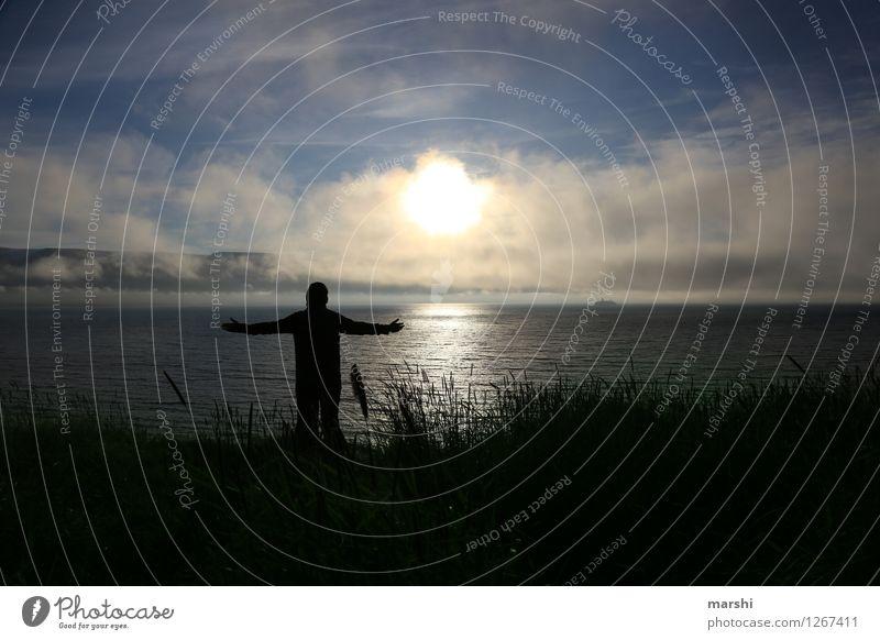 feel free |1212| Lifestyle Freizeit & Hobby Mensch Junger Mann Jugendliche Erwachsene 30-45 Jahre Natur Landschaft Küste Bucht Meer Gefühle Stimmung Ferne