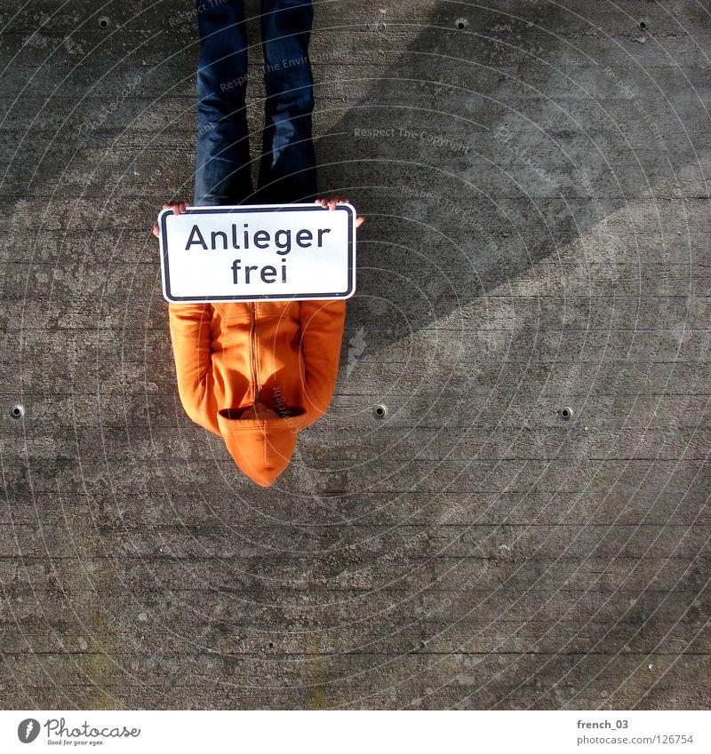welcome Mensch blau Hand weiß schön rot Wand Freiheit grau Mauer Beine Linie orange Deutschland Arme warten
