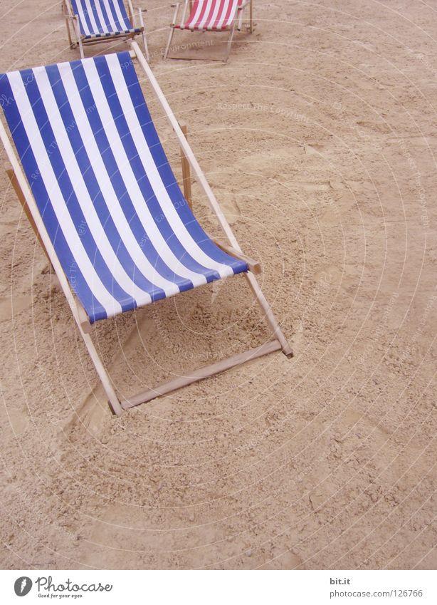 RUHEPLATZ IV Meer Ufer See Nähe Mindestabstand Strand abstand halten Liege Liegestuhl erholung Pause Sommer Sitzgelegenheit träumen Langeweile Freizeit & Hobby