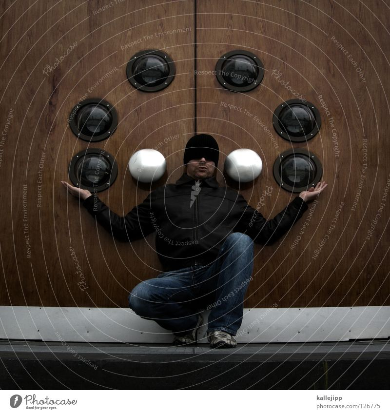 zirkusreif Mann Jongleur Heiligenschein Zirkus Artist Schausteller Schauspieler Griff Bullauge Fischauge Mütze Baseballmütze Jacke Hose Schuhe Show 6 Rekord