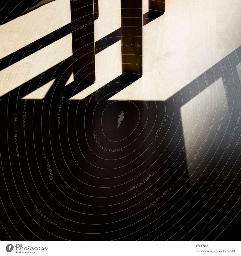 Geometrie Licht Dreieck Tisch Wohnung Wohnzimmer Esszimmer Laminat Detailaufnahme Schatten Strukturen & Formen Linie Tischbein Sonne Lichtstrahl