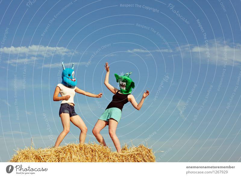 POW! Freude feminin Spielen Kunst ästhetisch Maske Kunstwerk Kostüm Blauer Himmel Karnevalskostüm Schlag Monster Kampfsport spaßig schlagen Spaßvogel