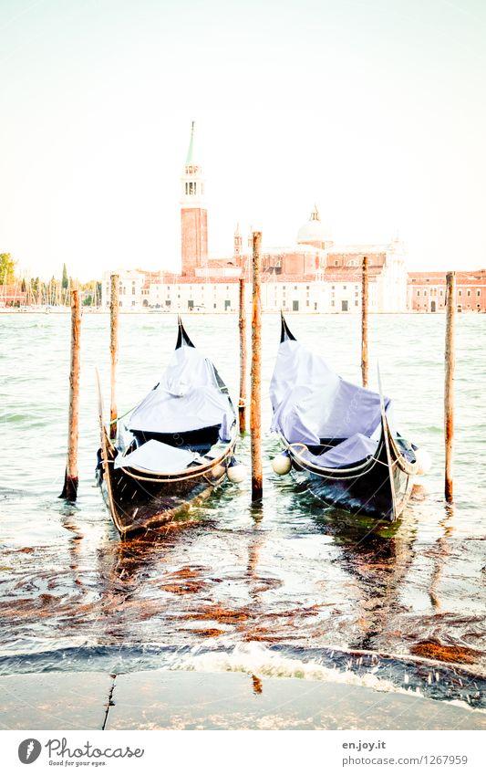 ausgebrannt Himmel Ferien & Urlaub & Reisen Sommer weiß Traurigkeit hell träumen Tourismus Ausflug Lebensfreude Kirche Italien Schönes Wetter Romantik Turm