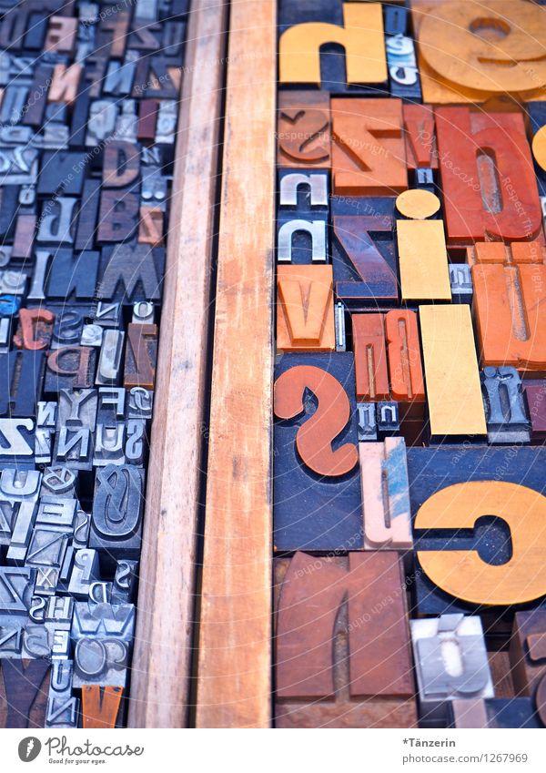 Von B bis Y blau Stil grau Denken Schule Büro Schriftzeichen lernen Kultur Zeichen lesen Bildung Erwachsenenbildung Medien Zeitung Kindergarten