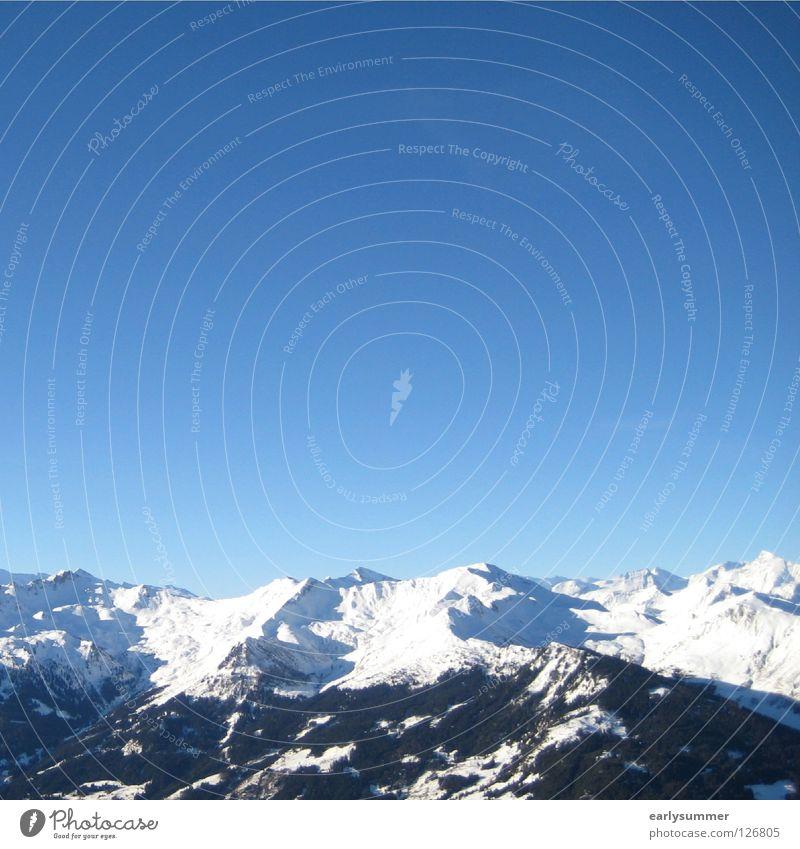 blau-weiße Geschichte Winter Winterurlaub Skier Gipfel Skigebiet Baum Wald Höhenmeter Österreich Berghang Tiefschnee perfekt Wolken Puderzucker Berge u. Gebirge