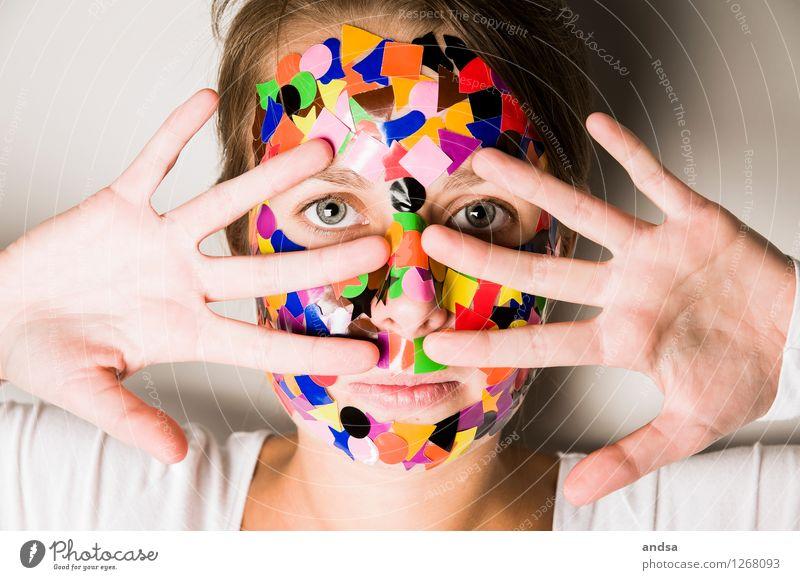 Gepunktet VII Mensch feminin Junge Frau Jugendliche Hand 1 18-30 Jahre Erwachsene T-Shirt Haare & Frisuren brünett langhaarig Zopf sprechen Blick Spielen