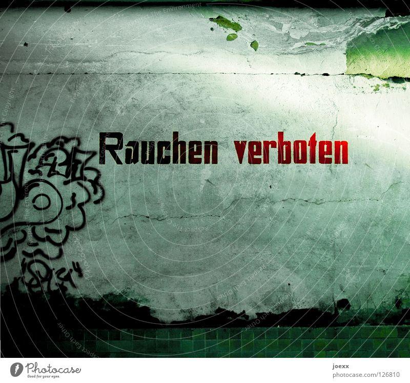 Rauchen verboten alt rot Graffiti Wand Gesundheit Beton Schriftzeichen Buchstaben Suche verfallen Fliesen u. Kacheln Gesetze und Verordnungen Verbote Teer