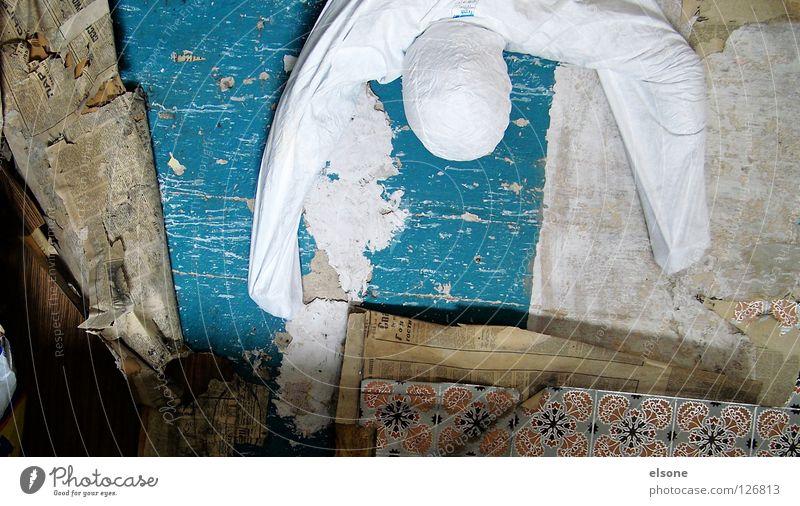 ::ANONYMOUS:: steigen hängen Tapete kaputt weiß Wand Mauer Insekt Wissenschaften Kunst Kultur Mensch anonym Klettern trashig Zerstörung blau Bodenbelag Erholung