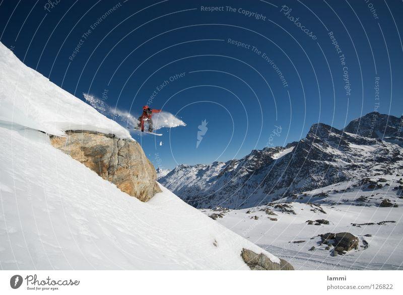 Will goes over the Rock Gipfel springen Felsvorsprung Ausdauer weiß Schweiz Silvaplana Skitour Snowboard Spuren Tiefschnee Sportveranstaltung Winter Wintersport