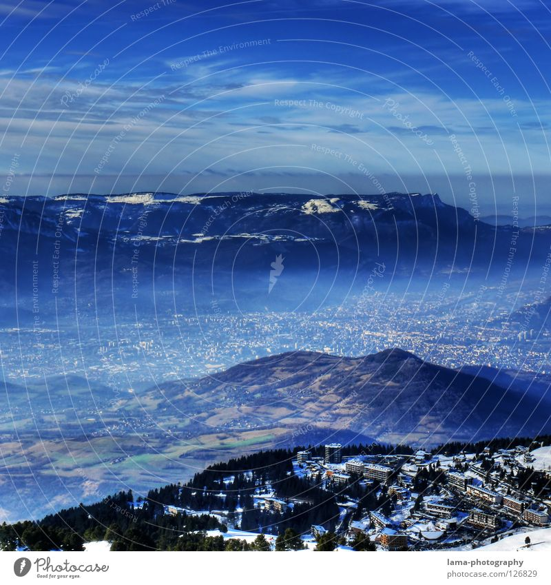 Visions: The Second Level Himmel Baum Meer blau Stadt Wolken dunkel Schnee Berge u. Gebirge träumen See Erde Feld planen Nebel Umwelt