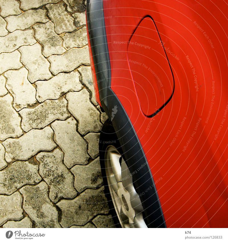 KM 364 tanken Tankstelle rot Blech Felge Stoßstange Benzin Diesel Rohstoffe & Kraftstoffe Zapfsäule Umweltsünder Tankdeckel Erdgas Biodiesel Rastplatz Autobahn