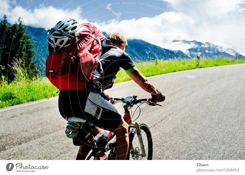 Transalp Himmel Natur Ferien & Urlaub & Reisen Mann Sommer Sonne Landschaft Wolken Reisefotografie Erwachsene Berge u. Gebirge Lifestyle maskulin Kraft Fahrrad Sträucher