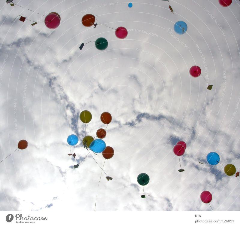 Hoffnung die 2. Himmel schön Wolken Freiheit Traurigkeit Luft Zufriedenheit hoch fliegen frei Fröhlichkeit mehrere Luftballon Ziel Wunsch