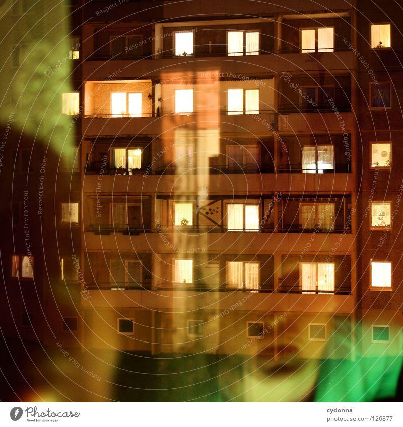 Nachbarschaft Fenster Nacht Feierabend Wohnung Licht Lampe hell Block Wohnzimmer einzigartig Stimmung beobachten Studie Haus Balkon Zeit Freizeit & Hobby