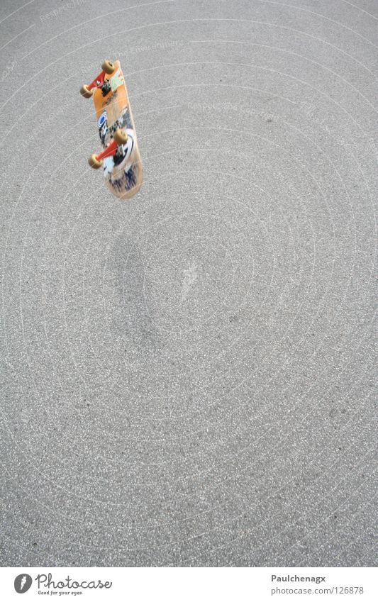 Skateboard Flyby Skateboarding Asphalt Freizeit & Hobby street Straße fly orange