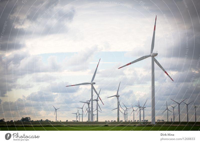 Windkraftanlagen in Dithmarschen Himmel Natur blau Landschaft Wolken Umwelt Küste grau Horizont Energiewirtschaft Technik & Technologie Zukunft Industrie