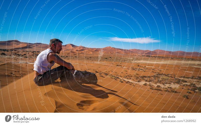 wüstenwandern Mensch Ferien & Urlaub & Reisen Jugendliche schön rot Einsamkeit Landschaft Junger Mann Ferne Erwachsene Wärme Sand Horizont orange maskulin wild