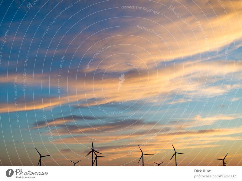 Energiewirtschaft Himmel Natur Landschaft Wolken Umwelt Küste Horizont Luftverkehr Wind Technik & Technologie Zukunft Elektrizität Industrie