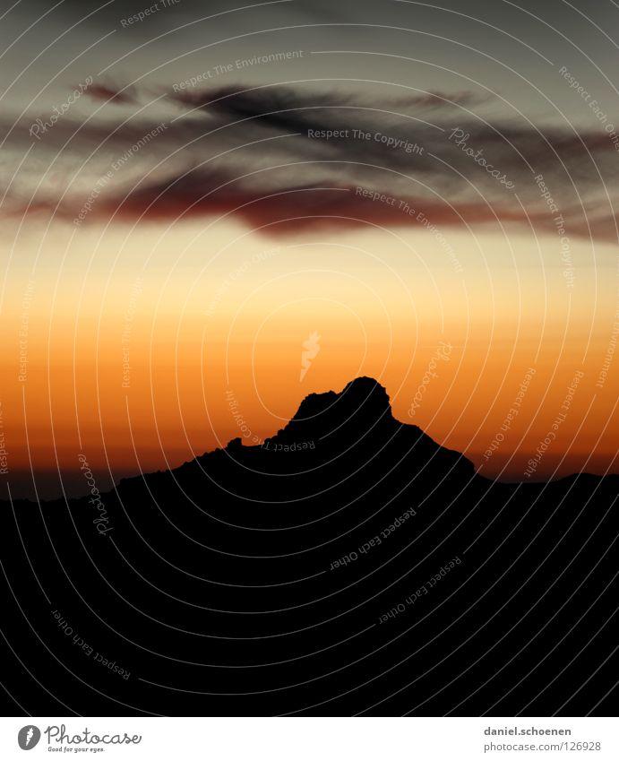 Zeit fürs Bett Himmel Sonne blau rot Wolken gelb Farbe kalt Berge u. Gebirge Luft wandern Nebel Hintergrundbild Wetter Freizeit & Hobby Klima
