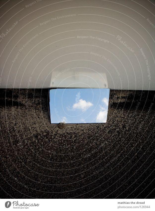 A LITTLE PEACE OF HEAVEN ON EARTH! Wand Fassade Blech weiß kalt Asphalt dunkel Ecke Trauer Einsamkeit trist Spiegel Wolken Hoffnung schön Physik