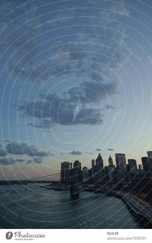 Waterkant Ferien & Urlaub & Reisen Sightseeing Himmel Wolken Nachthimmel Sommer Schönes Wetter Flussufer East River New York City Manhattan USA Stadtzentrum