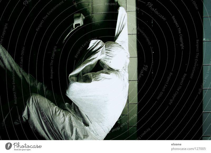 ::LAVATORY:: Mensch Mann weiß schwarz Wand Raum Bad Streifen verfallen trashig Typ Waschbecken Waschhaus