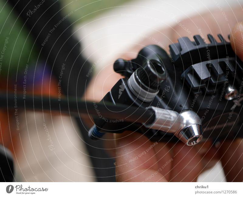 Fahrrad aufbauen 1 Freizeit & Hobby Sport Fahrradfahren Mountainbike Mountainbiking Werkzeug Arbeit & Erwerbstätigkeit neu schwarz silber Farbfoto Außenaufnahme