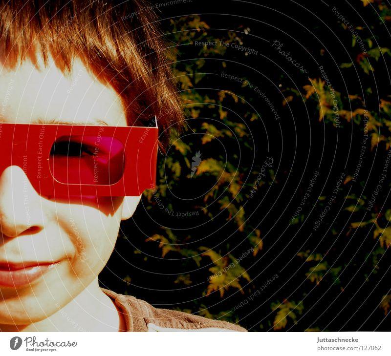 Paulchen Kind rot Sonne Freude Gesicht Auge Junge lustig rosa Mund Nase Brille Sonnenbrille blenden rosarote Brille