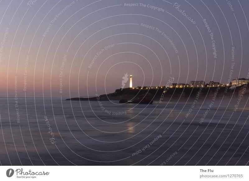 Leuchte, Turm, leuchte! Ferien & Urlaub & Reisen Tourismus Strand Wellen Landschaft Wasser Wolkenloser Himmel Schönes Wetter Küste Bucht Meer Atlantik Biarritz